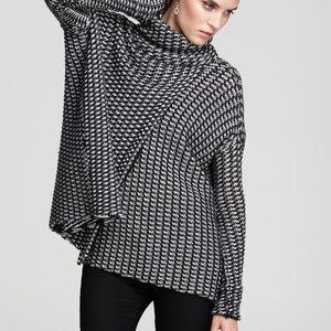 Diane Von Furstenburg. Ahiga wool cape. Small